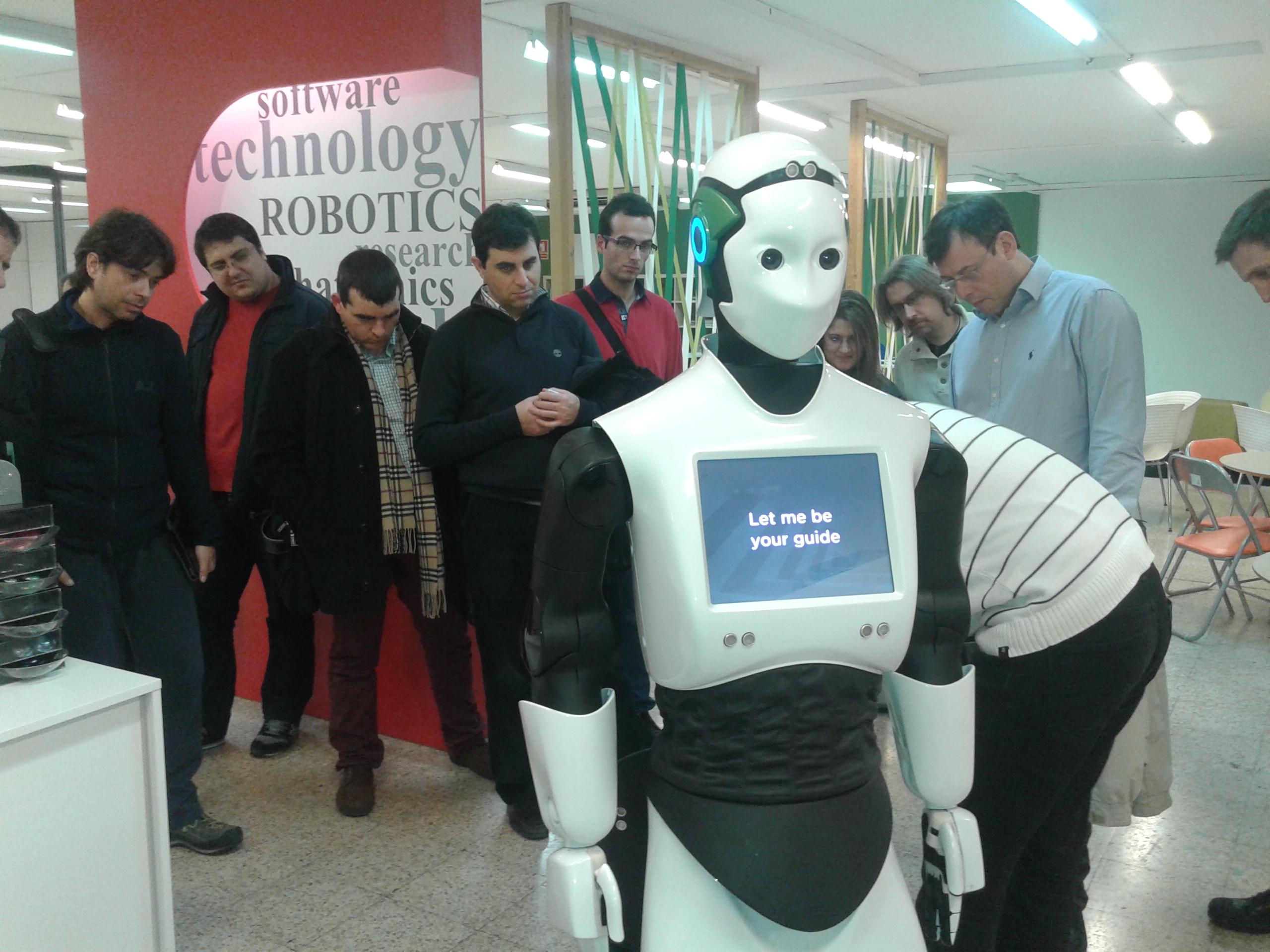 Crònica de la visita de la XTB a PAL Robotics: una empresa amb intel•ligència (però no artificial)